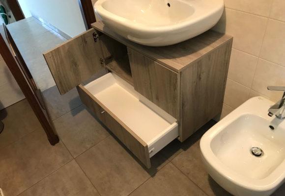 mobile bagno su misura con cassetti