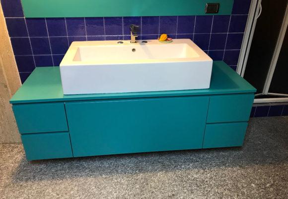 mobile bagno su misura laccato