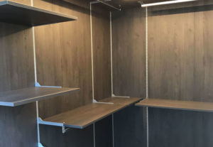 Progettazione e realizzazione di cabine armadio su misura a prezzi di fabbrica e senza intermediari